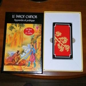 Chhinese tarot cards and book